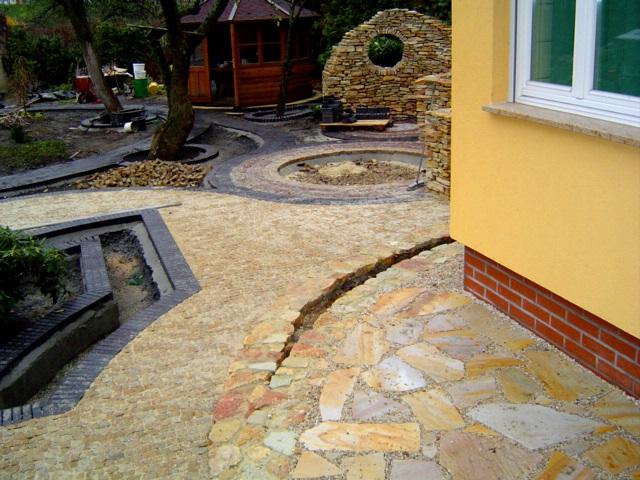 Kostka granitowa wokół domu