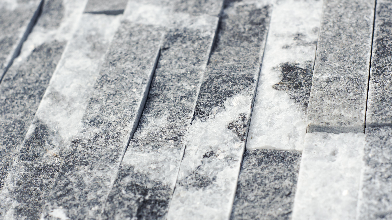 Zewnętrzny kamień elewacyjny black and white