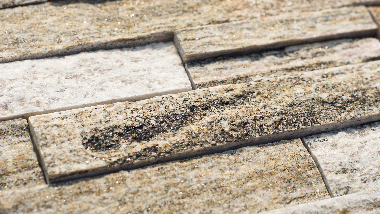 kamień na elewacje gnejsowy