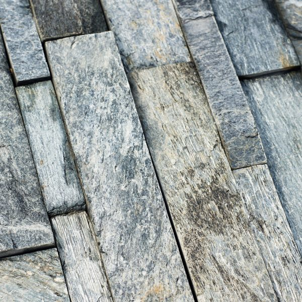 srebrny kamień elewacyjny